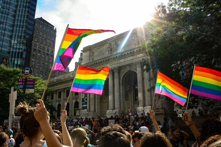 pride-parade-5265090_1920